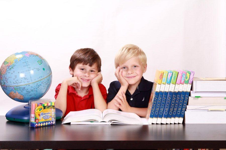L'école à domicile grâce aux nouvelles technologies.